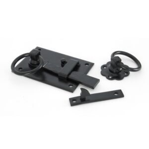 An image of a left handed cottage latch in a black finish.