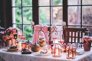 An image of a dinner table set for Christmas.